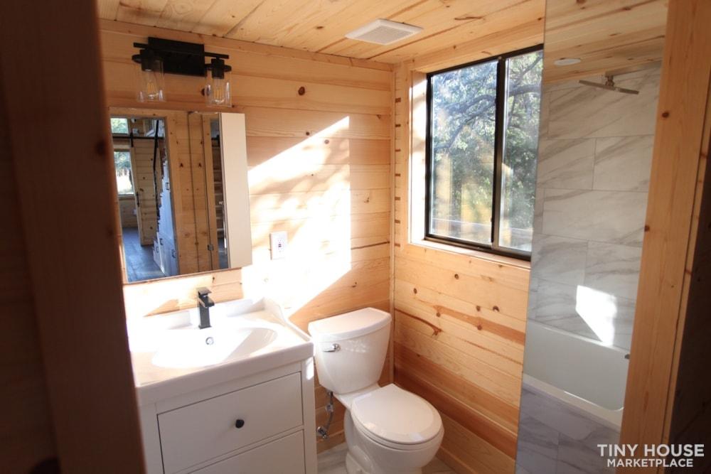 36' Modern Cabin - Nomad Tiny Homes - New - Dual loft - 21k trailer - Warranty - Slide 9