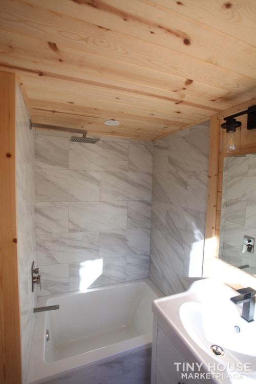 36' Modern Cabin - Nomad Tiny Homes - New - Dual loft - 21k trailer - Warranty - Slide 10