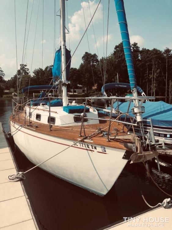 37' True Ocean Cruising Sailboat - Heading to the Islands? LiveAboard! - Slide 2