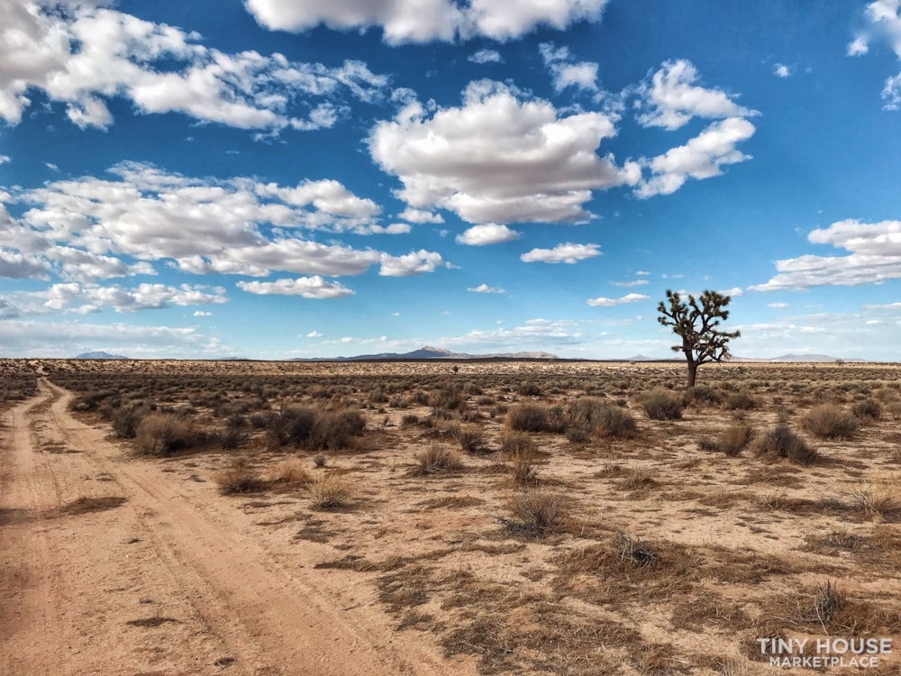 5 acres with 300 acres blm bordering - Slide 5