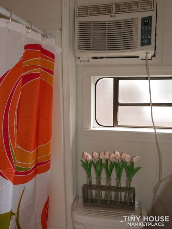 Ready to live, no work needed! A lot of sunshine in this tiny house! - Slide 6