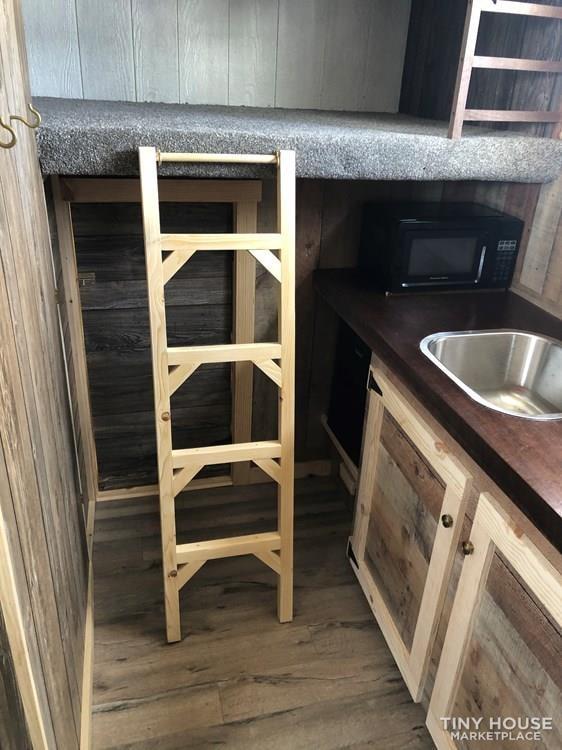 Low Price!! Box Truck Tiny Home!! - Slide 9