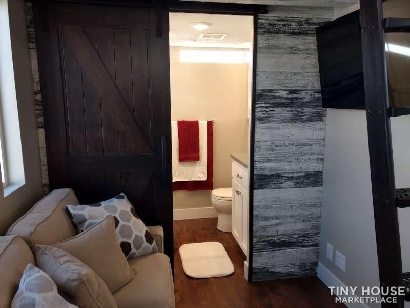 Amazing Tiny House - Slide 7