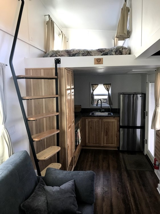 Beautiful and Spacious Tiny House/Tiny Mansion - Slide 8