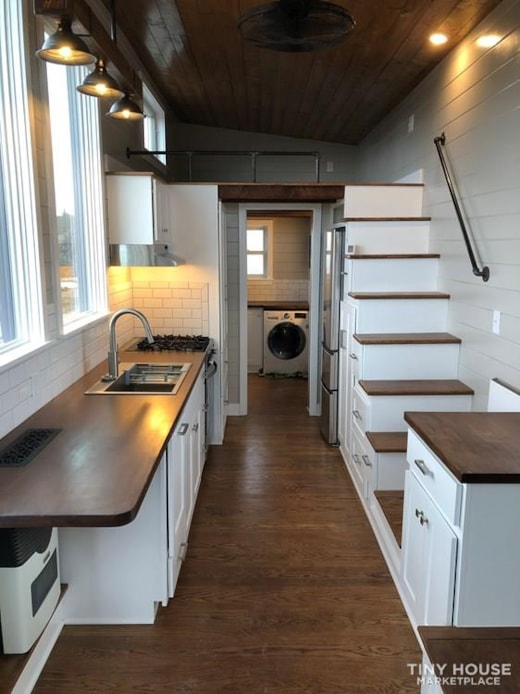 Beautiful Classic Rustic Tiny House