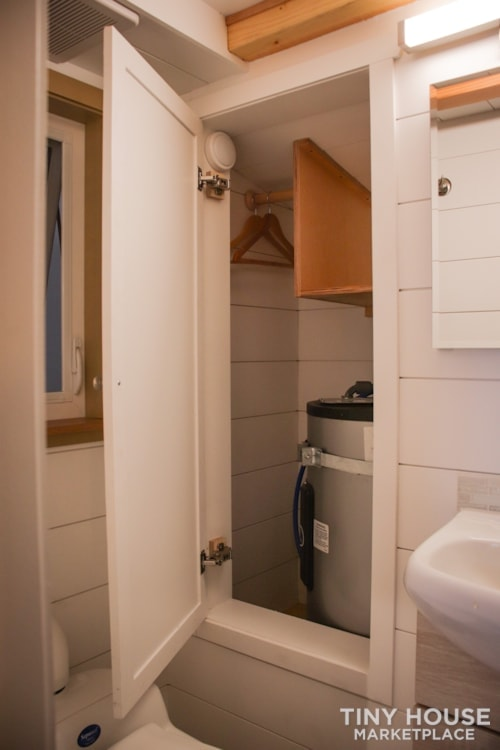 SOLD!! BRAND NEW 24' Tiny House 'The Aspen' by Wilding Woodworks Tiny Homes - Slide 36