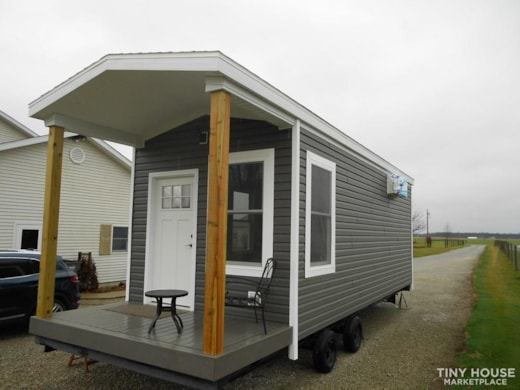 Brand New Tiny home, shiplap, loft, Good Quality hand built. 305 sq ft with deck