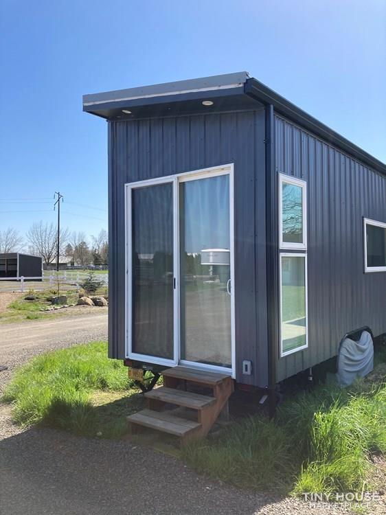Bright & beautiful Tiny House on wheels - Slide 1