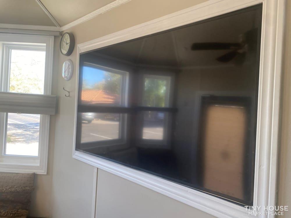 Charming Custom tiny house on trailer  - Slide 5