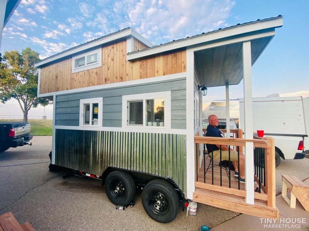 Colorado 12'   20amp Solar from Renogy   Composting Toilet   Off Grid   $27,500 - Slide 1