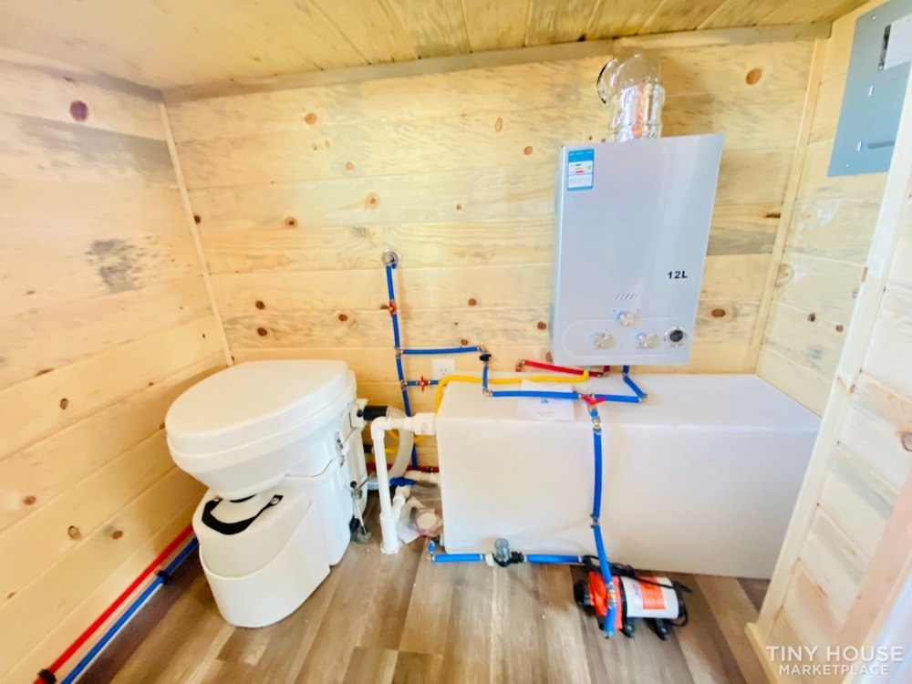 Colorado 12'   20amp Solar from Renogy   Composting Toilet   Off Grid   $27,500 - Slide 9