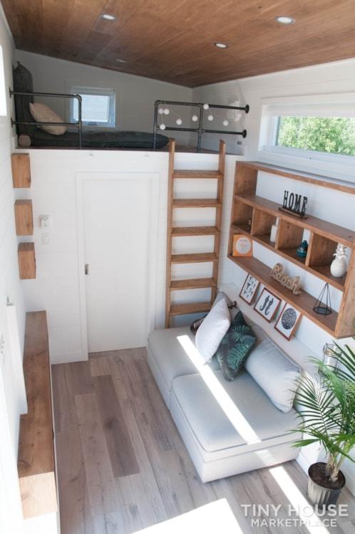 Custom-Built Luxury Modern Off-Grid Tiny Home by Minimaliste - Slide 4