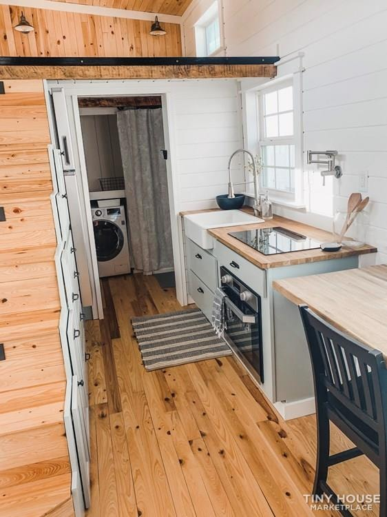 Custom Craftsman Tiny House - Slide 4
