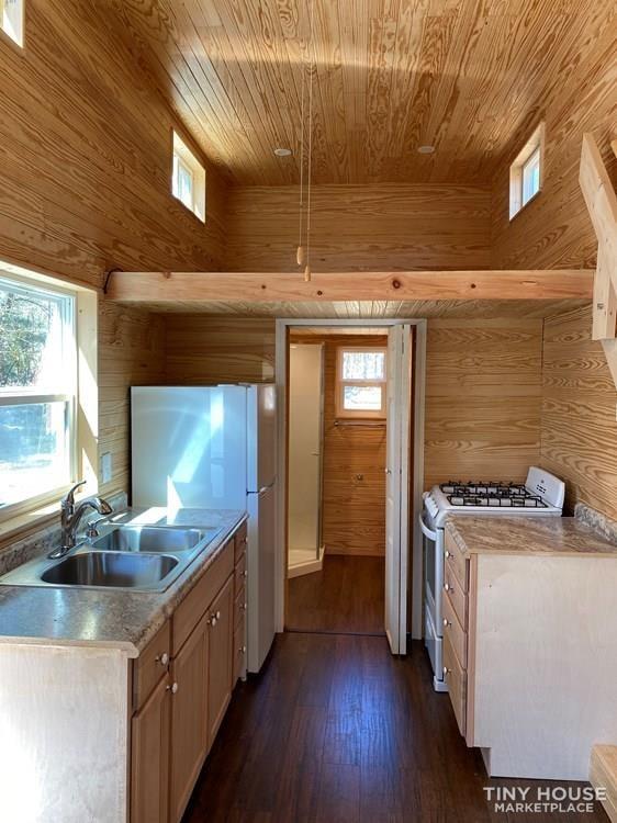 DIY tinyhouse (Sold) - Slide 6