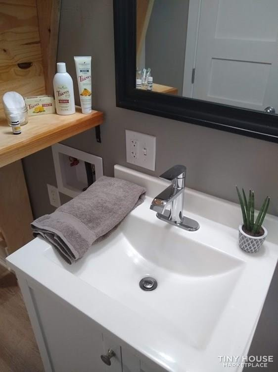 """""""The Endeavor"""" By Aspire Tiny Homes - Room for 6 to Relax and Sleep  - Slide 38"""