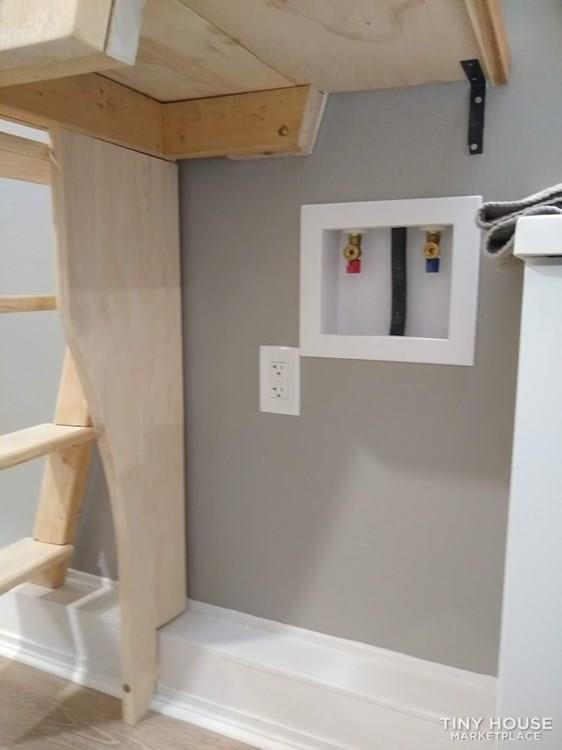 """""""The Endeavor"""" By Aspire Tiny Homes - Room for 6 to Relax and Sleep  - Slide 40"""
