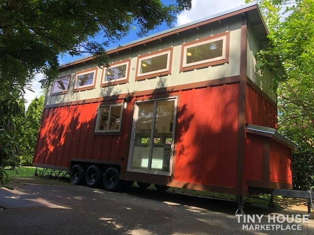 Exceptional Modern Tiny Home Ready for You! - Slide 22