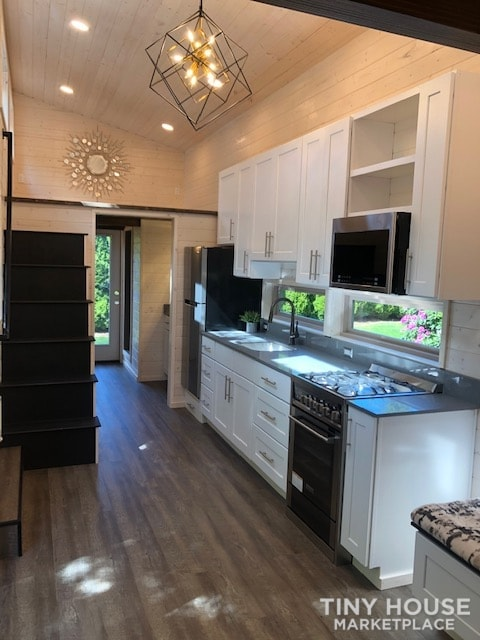 Exceptional Modern Tiny Home Ready for You!