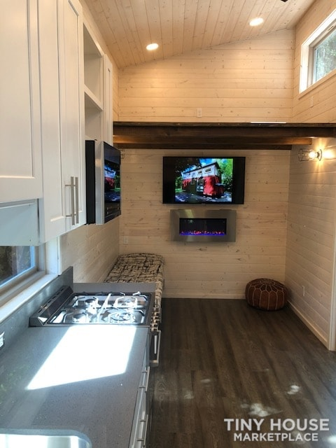 Exceptional Modern Tiny Home Ready for You! - Slide 3