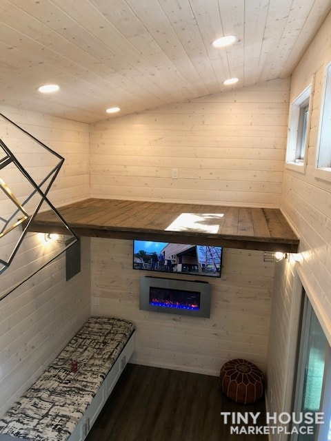 Exceptional Modern Tiny Home Ready for You! - Slide 7