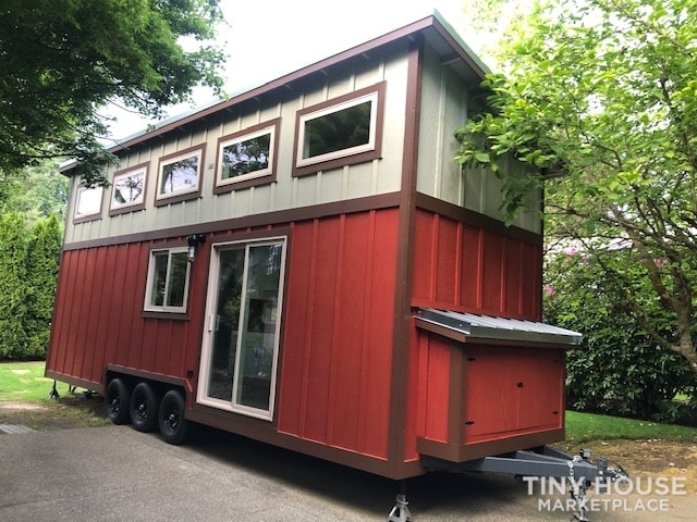 Exceptional Modern Tiny Home Ready for You! - Slide 18