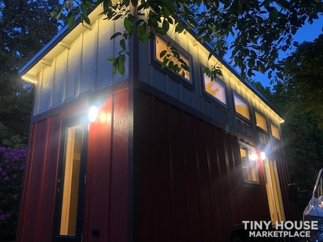 Exceptional Modern Tiny Home Ready for You! - Slide 21