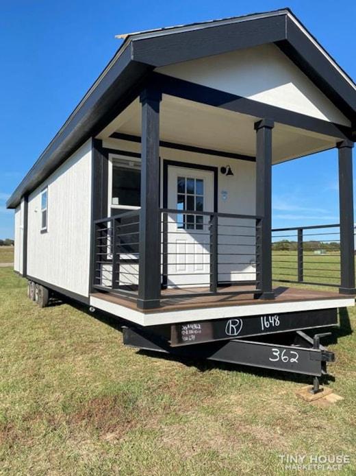 2020 Farmhouse Tiny Home!