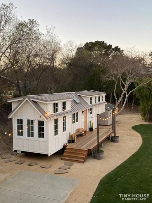 Gorgeous 40' Tiny Home