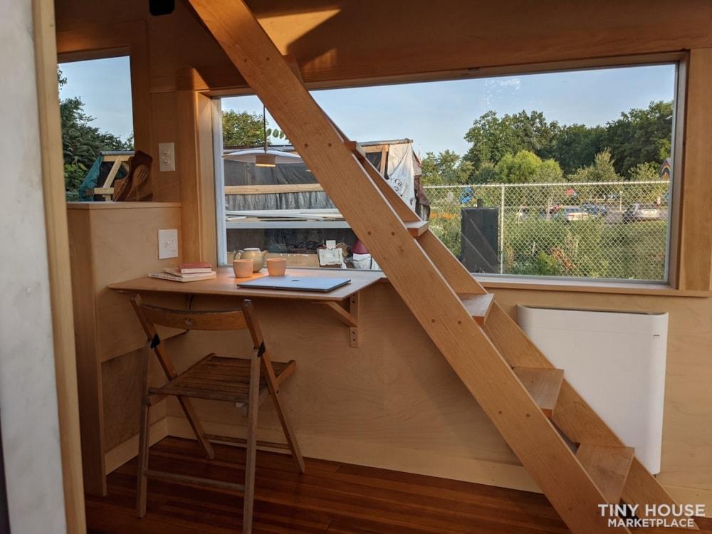 Gorgeous Brand New 20' New England Modern Tiny House - Slide 7