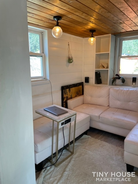 Gorgeous Tiny Home on Wheels – Reduced for Fast Sale  - Slide 6