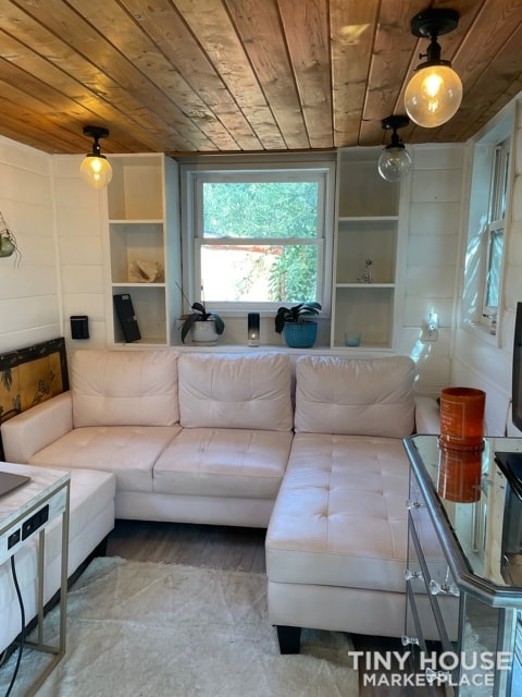 Gorgeous Tiny Home on Wheels – Reduced for Fast Sale  - Slide 7