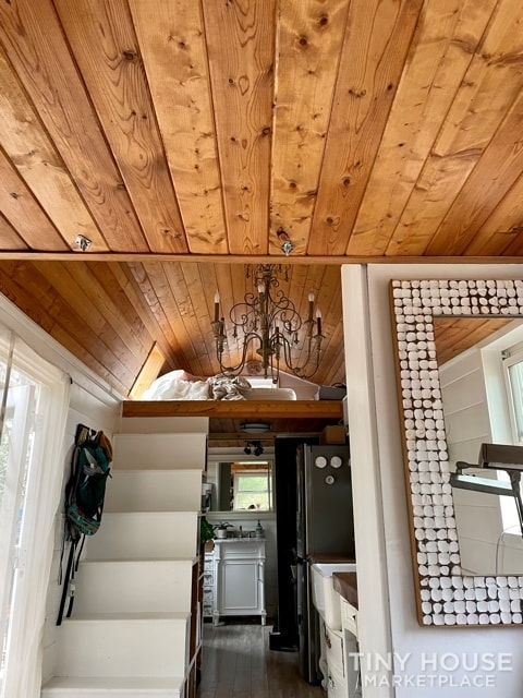 Gorgeous Tiny Home on Wheels – Reduced for Fast Sale  - Slide 8