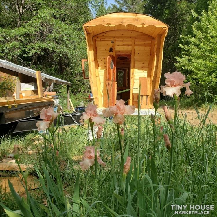 Gypsy  caravan.  Nomadic  adventures  or permanent  dwelling  - Slide 16