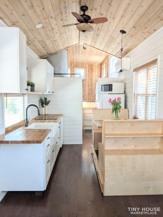 Immaculate 26' Custom Tiny Home on Wheels in the Beautiful TX Hill Country