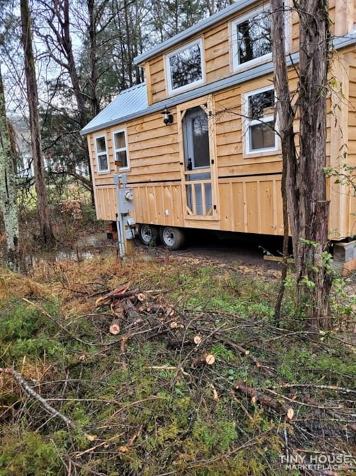 Lovely 9 x 22 Tiny Home on Wheels