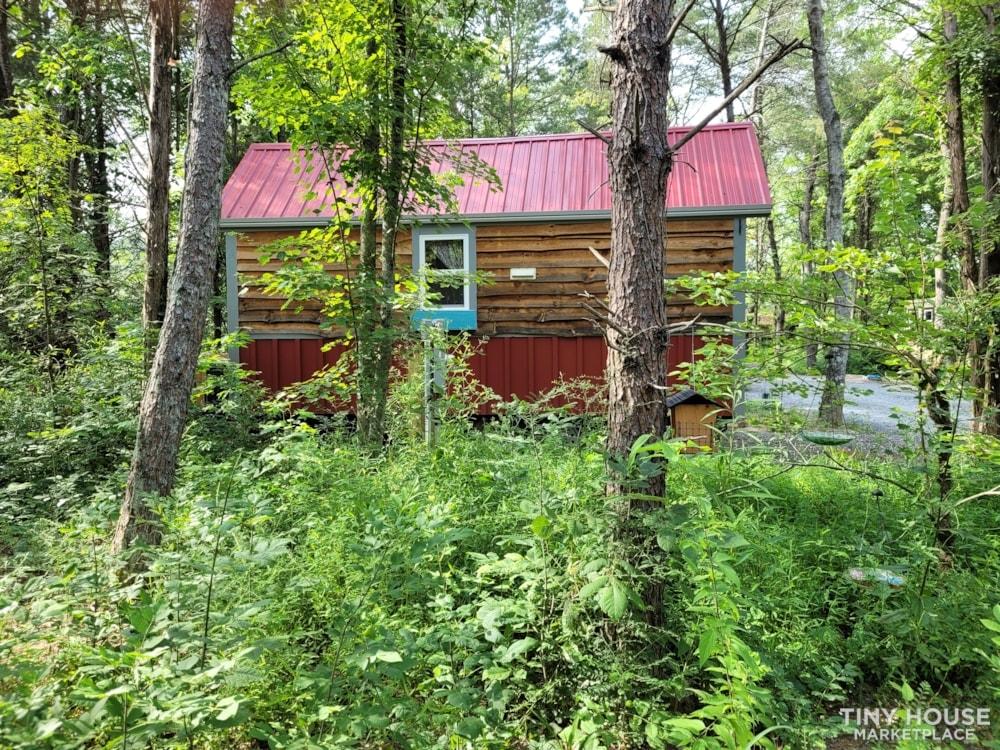 Lovely Rustic Little Farmhouse Tiny House On Wheels - Slide 3