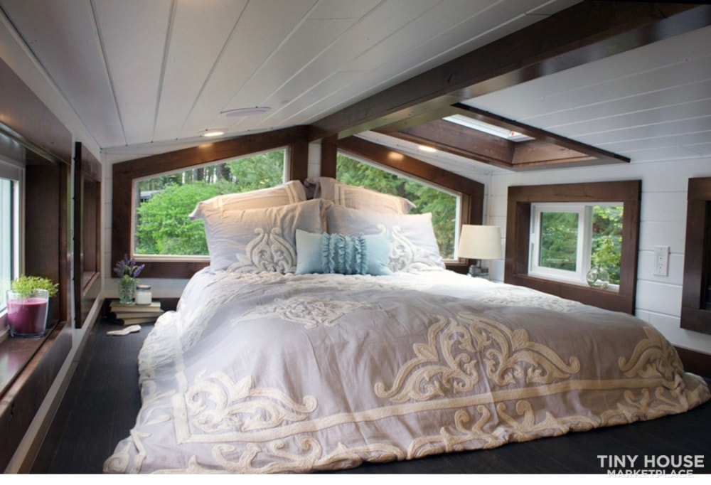 Luxurious Tiny Home for sale - Slide 3