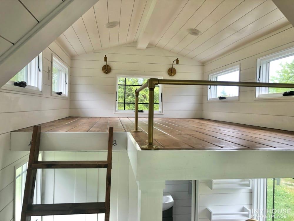 Custom Built Luxury 18' Tiny Home - Slide 5
