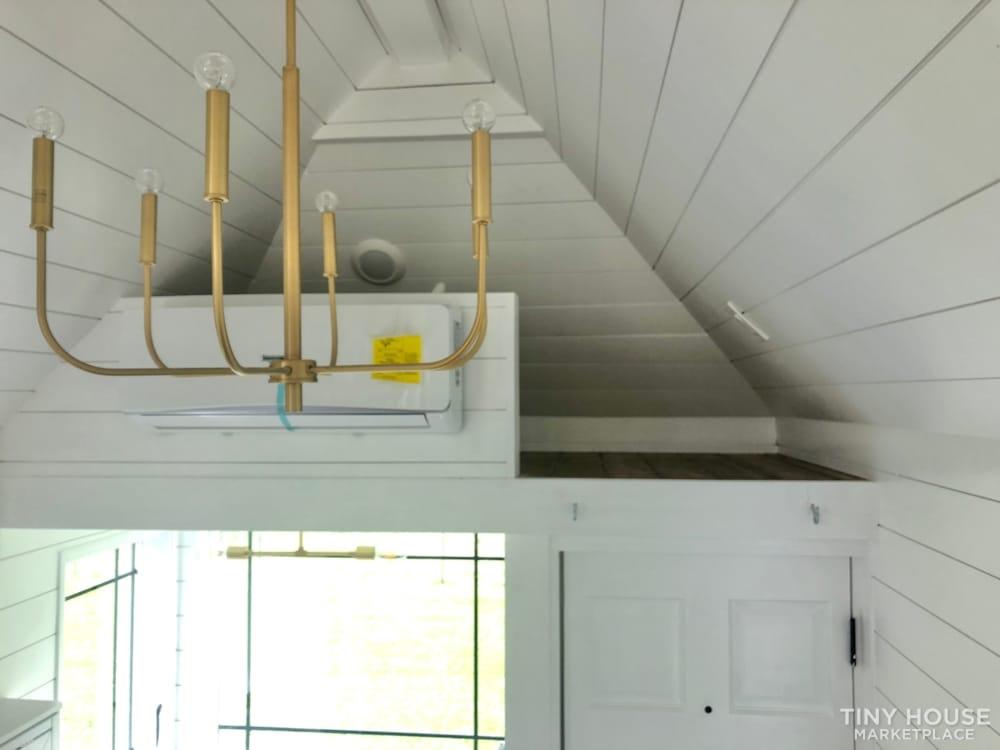 Custom Built Luxury 18' Tiny Home - Slide 10