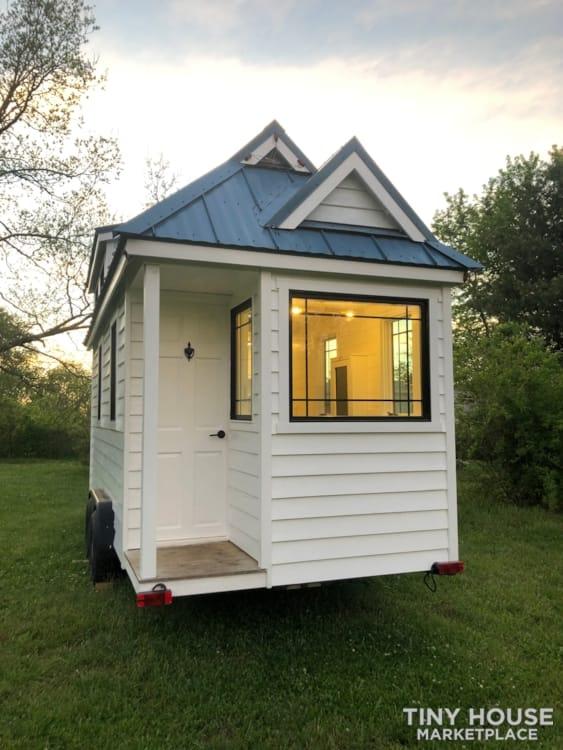 Custom Built Luxury 18' Tiny Home - Slide 15