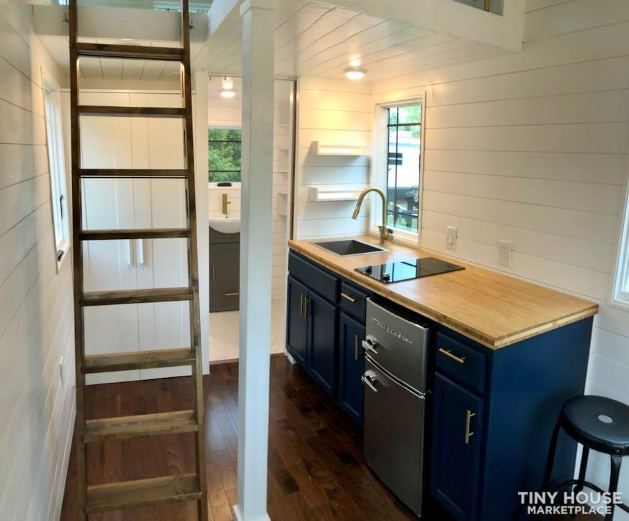 Custom Built Luxury 18' Tiny Home - Slide 6