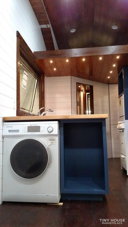 Luxury Living in a Tiny House - Slide 4