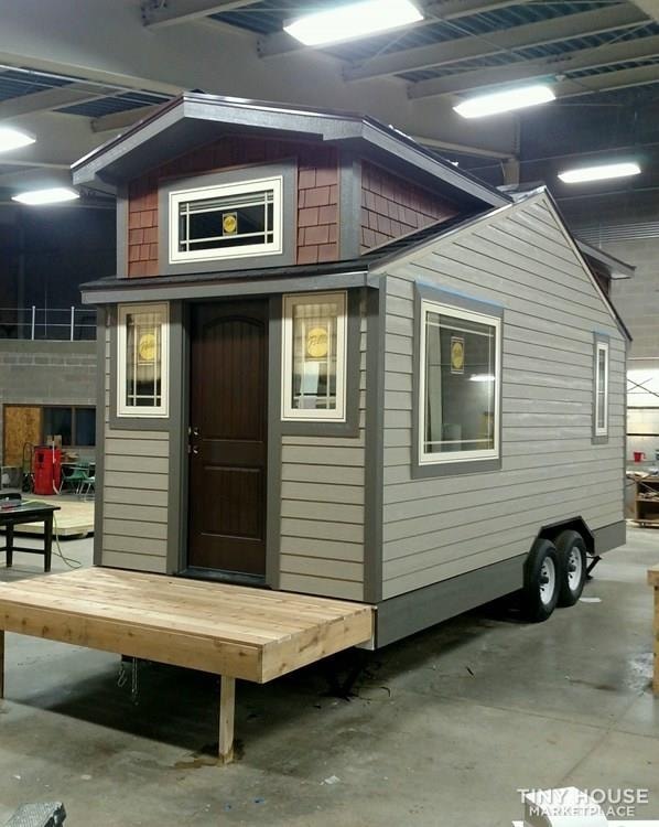 Luxury Living in a Tiny House - Slide 7