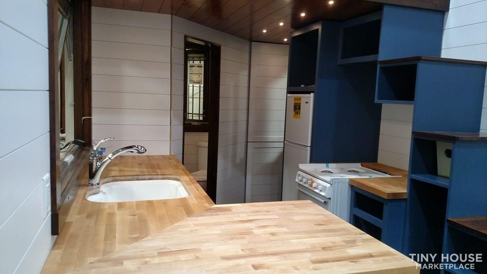Luxury Living in a Tiny House - Slide 8