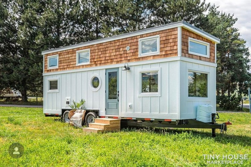 Luxury tiny home for sale  - Slide 1
