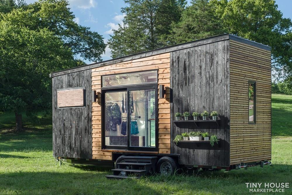 Mobile Store Tiny House - Slide 4