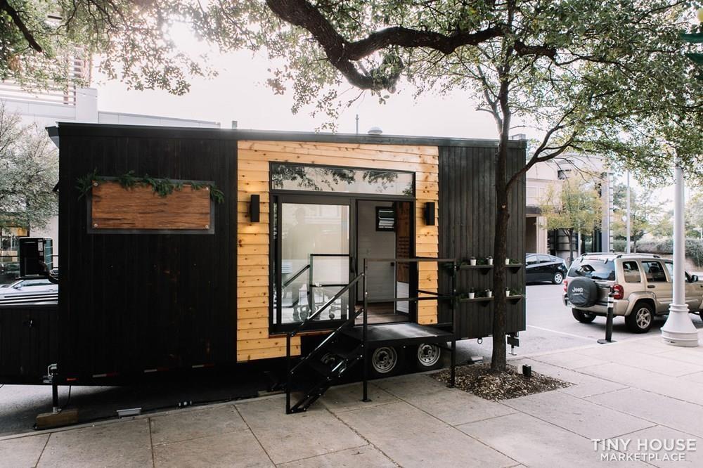 Mobile Store Tiny House - Slide 6