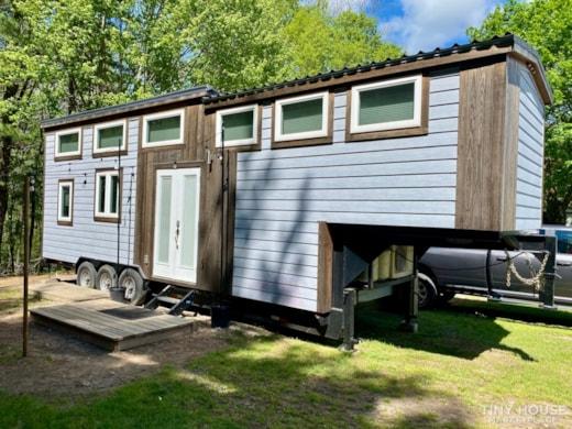 Modern Farm 35' Gooseneck Tinyhouse