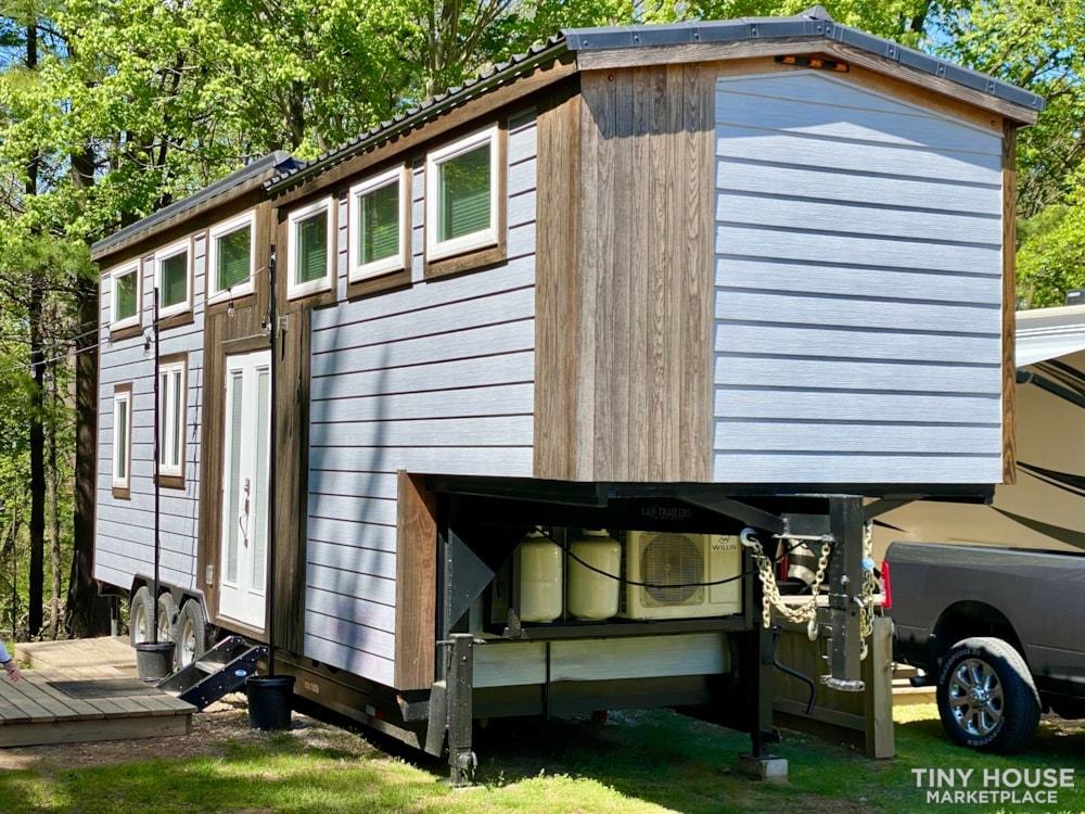 Modern Farm 35' Gooseneck Tinyhouse - Slide 2
