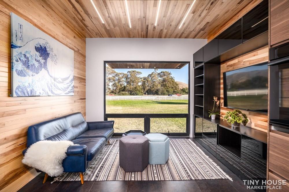 Modern Prefab Home on Wheels - Slide 4